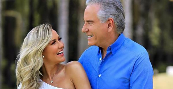 Ana Paula e Roberto Justus sorrindo