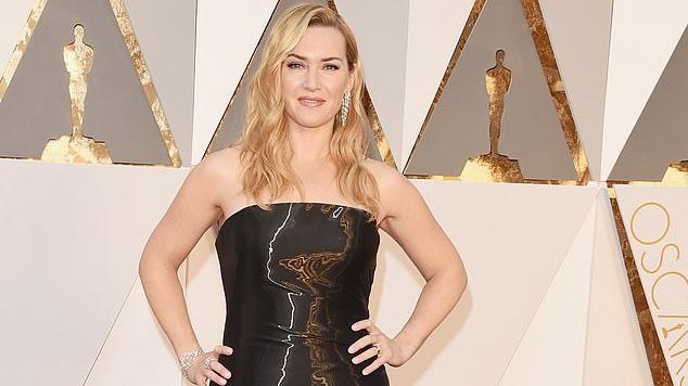 Kate Winslet de vestido preto