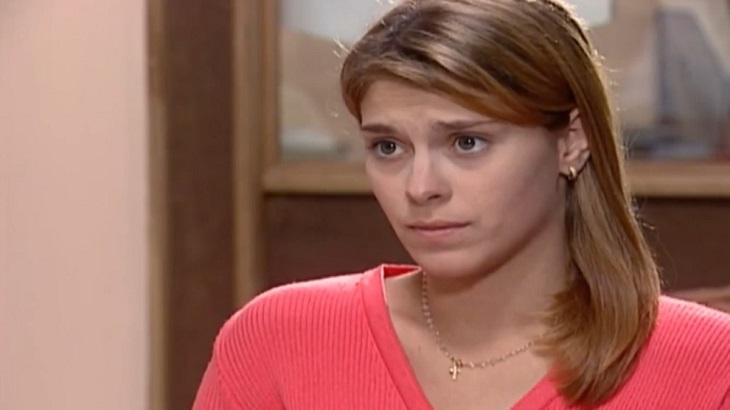 Carolina Dieckmann como Camila em Laços de Família