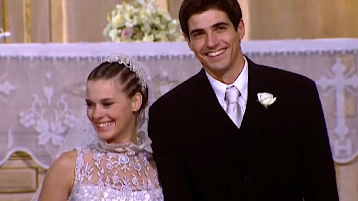 Carolina Dieckmann e Reynaldo Gianecchini em cena da novela Laços de Família, em reprise na Globo