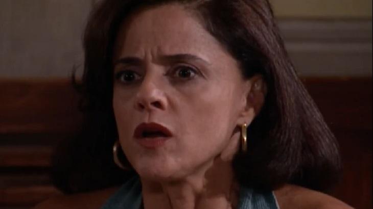 Marieta Severo em cena como Alma na novela Laços de Família, em reprise no Vale a Pena Ver de Novo, na Globo