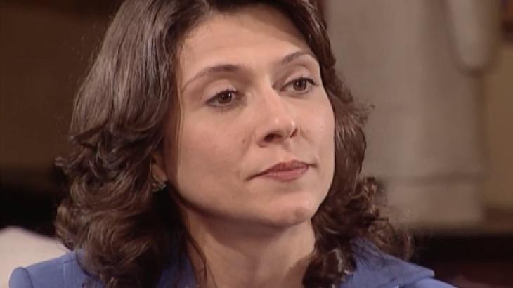 Eliete Cigarini como Silvia em cena da novela Laços de Família, em reprise na Globo