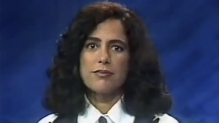 Leila Richers na bancada do Jornal da Manchete - Segunda Edição, em 1991