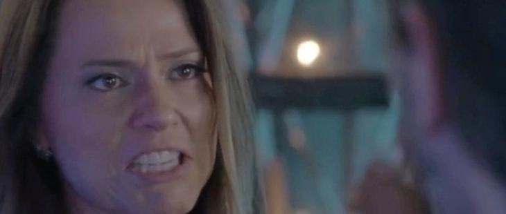 Totalmente Demais: Lili surta ao ser trocada por novinha em boate