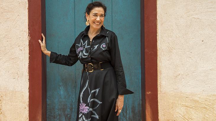 Lília Cabral sorrindo