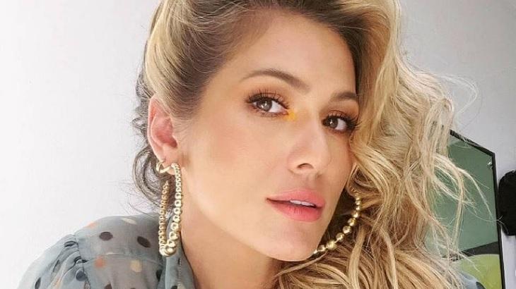 Lívia Andrade desmentiu que tenha sido amante de Marcos Araújo após acusações de Pétala Barreiros