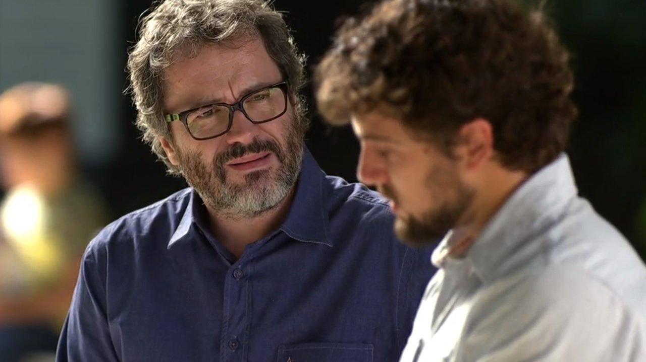 """A Vida da Gente: Rodrigo faz confissão a Lourenço sobre Manu: \""""Eu morro\"""""""