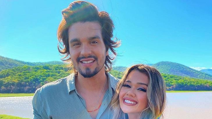 Luan Santana abraçado com Franciny Ehlke
