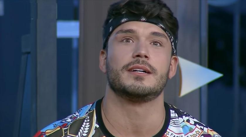 Lucas Viana foi alvo de críticas no reality show A Fazenda 2019