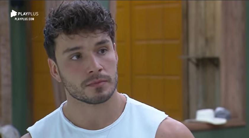 Lucas Viana foi alertado sobre Thayse Teixeira sobre o reality show A Fazenda 2019