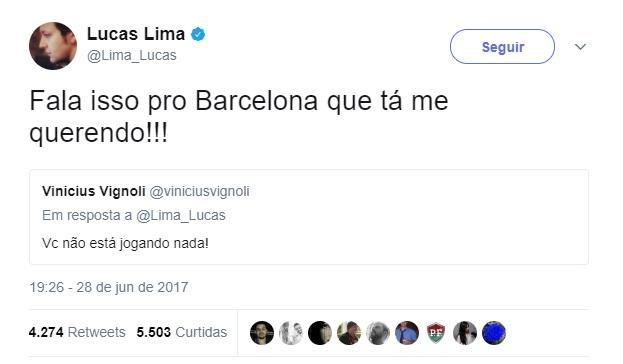 """Santista confunde Lucas Lima e músico rebate \""""crítica\"""": \""""Fala isso pro Barcelona que tá me querendo\"""""""