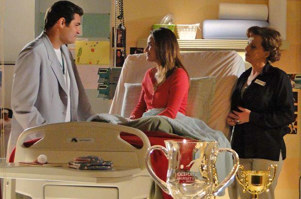 A Vida da Gente: Eva flagra Ana e Lúcio no hospital e filha reage com pedido