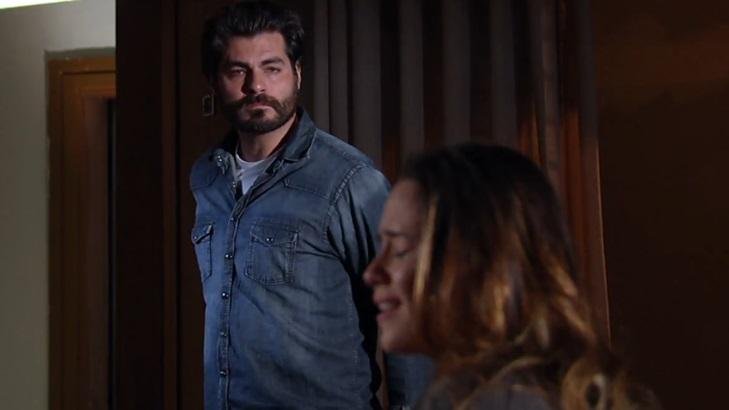 Thiago Lacerda e Fernanda Vasconcellos em cena da novela A Vida da Gente, em reprise na Globo