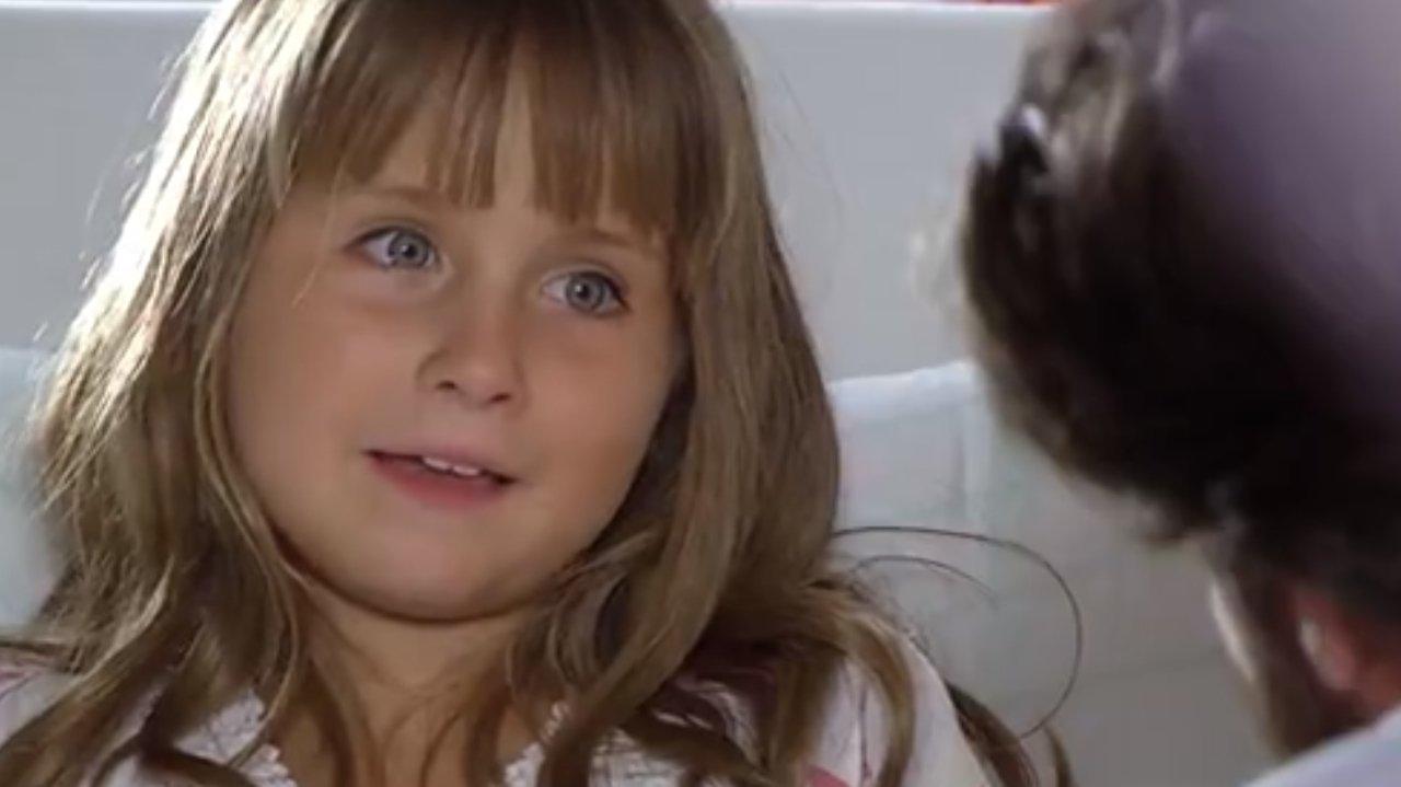A Vida da Gente: Júlia recebe alta e faz Lúcio chorar com pedido