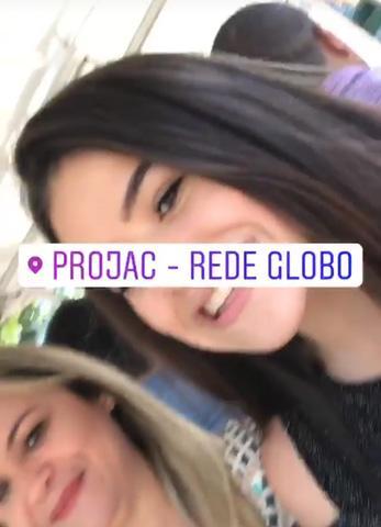 Maisa intriga os fãs ao publicar fotos e vídeos diretamente dos Estúdios Globo