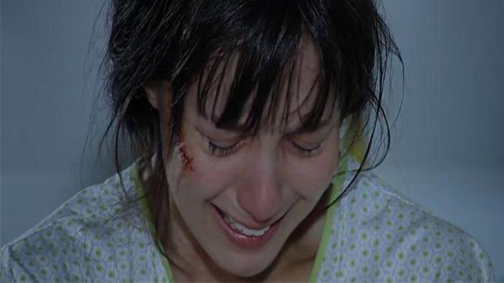 A Vida da Gente: Enfurecida, Eva tortura Manu no leito do hospital