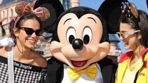 Bruna Marquezine, Mickey e Manu na Disney