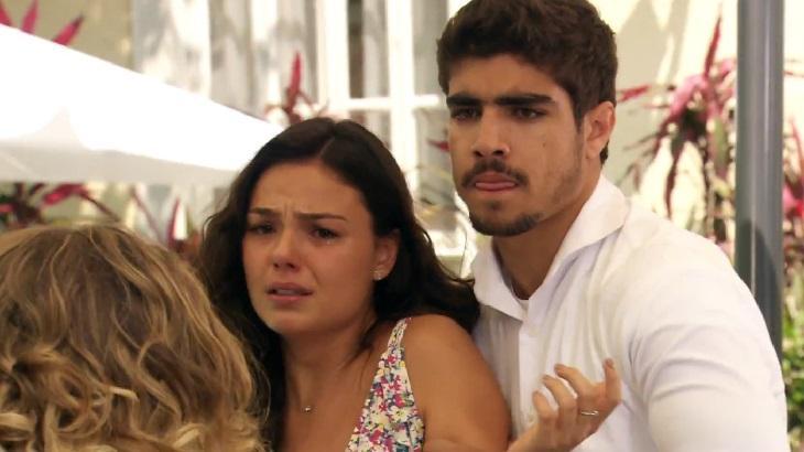 Isis Valverde e Caio Castro em cena da novela Ti Ti Ti, em reprise na Globo