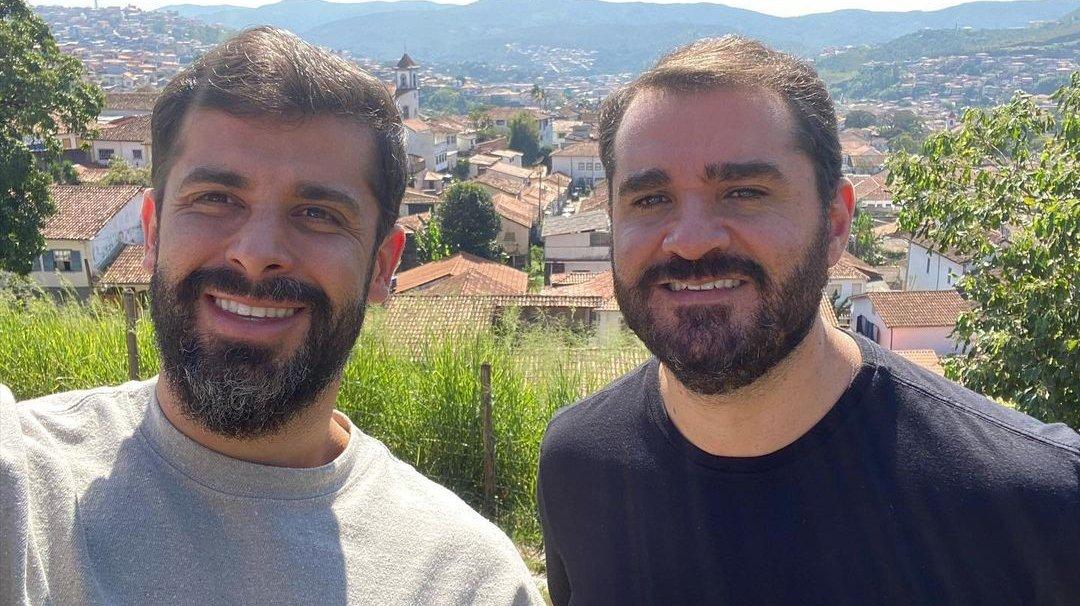 Marcelo Cosme e Frankel em dia ensolarado