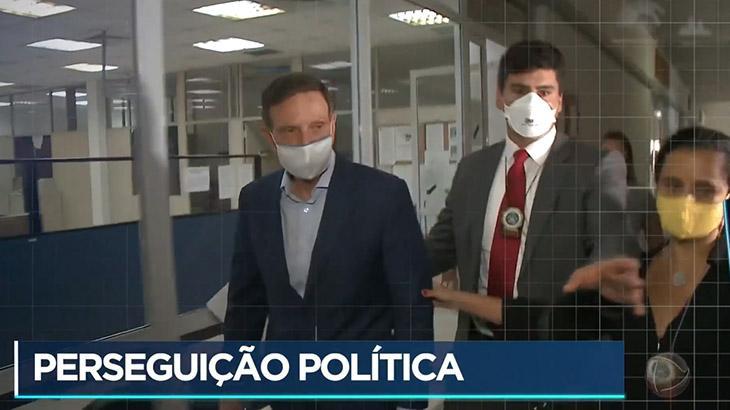 """Prisão de Crivella abre JN; Record destaca \""""perseguição\"""""""