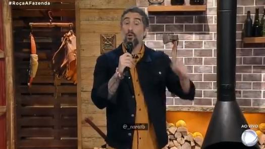 Marcos Mion apresentando A Fazenda 2020