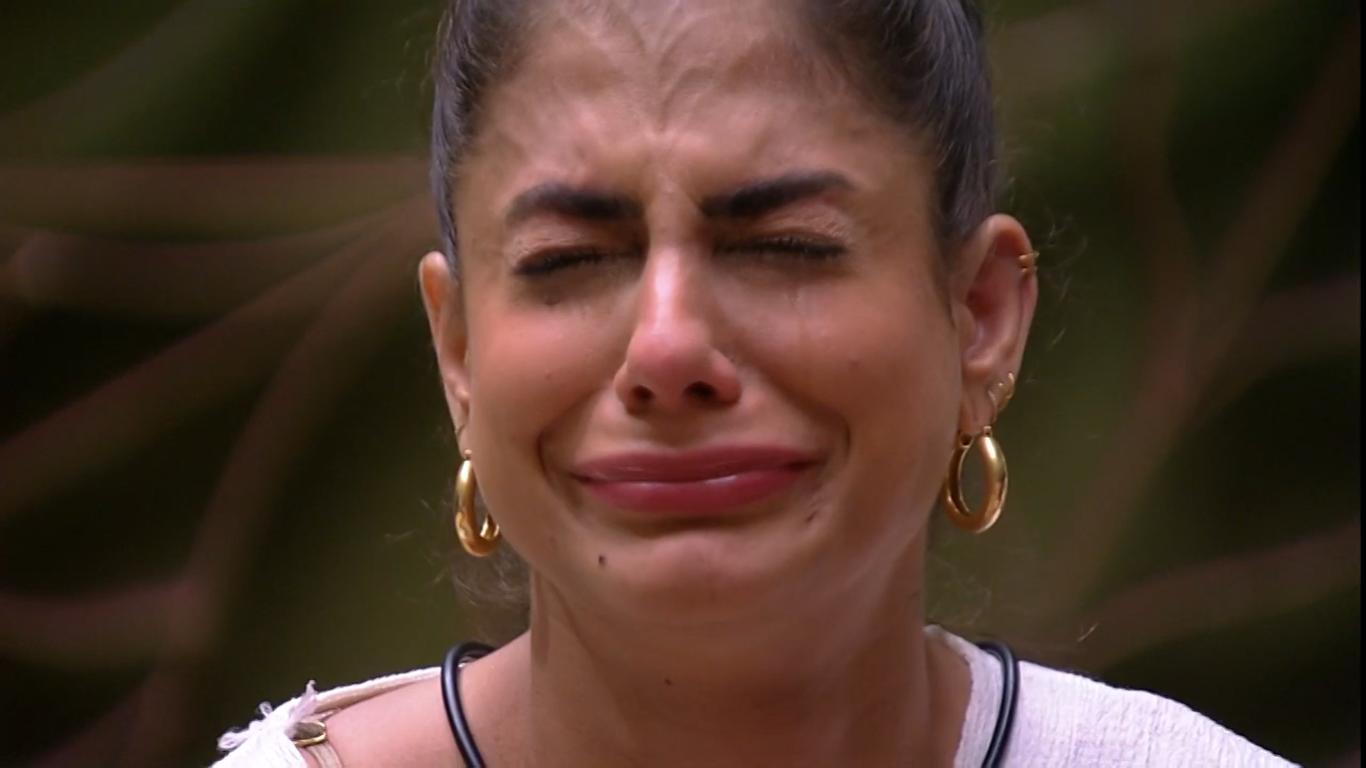 Mari Gonzalez chorou bastante após discussão com Gabi no reality show BBB20