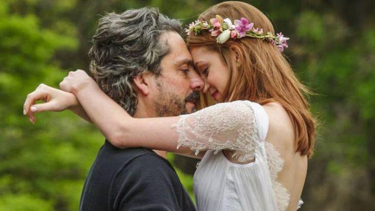 Isis e José Alfredo abraçadinhos