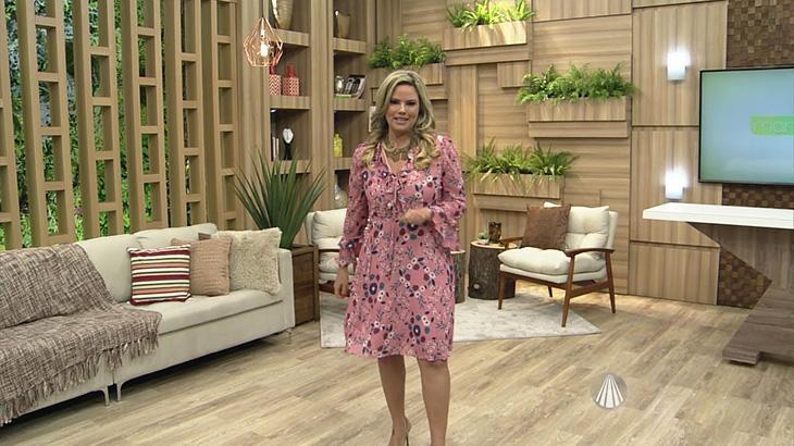 Comemorando um ano na TV Aparecida, Maria Cândida ganha programa de entrevistas