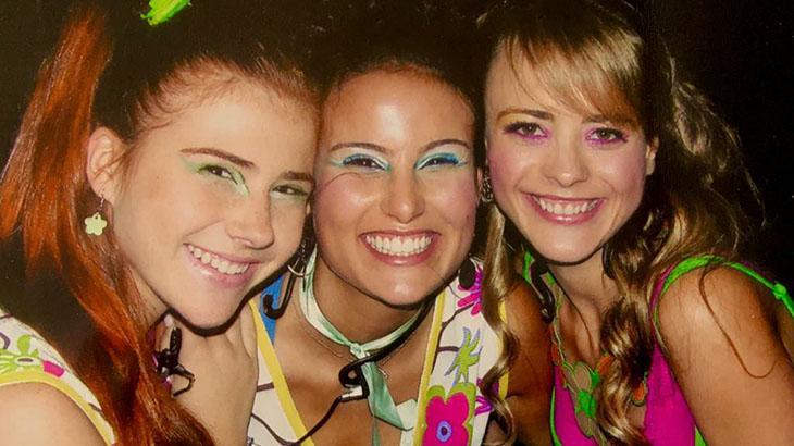 Mariah Rocha, Úrsula Corona e Juliana Silveira nos bastidores de Floribella