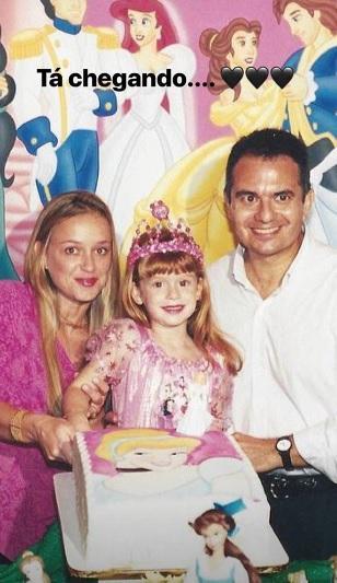 """Perto de aniversário, Marina Ruy Barbosa faz contagem: \""""Tá chegando...\"""""""
