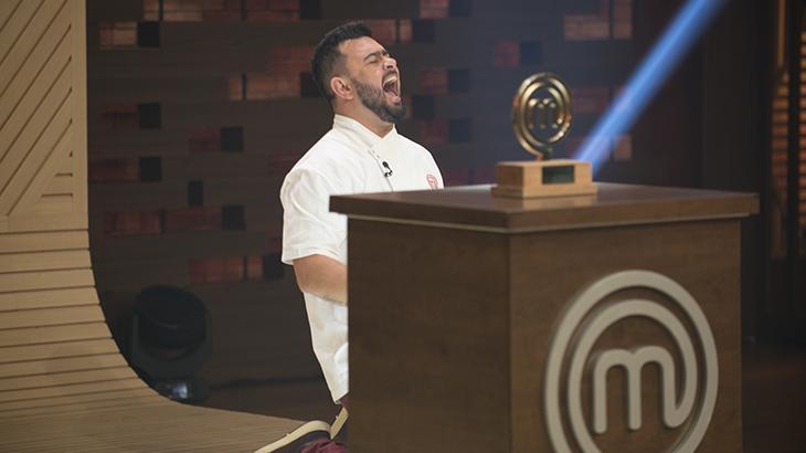 """Pablo desbanca Francisco e vence \""""MasterChef Profissionais\"""", que termina com boa audiência"""