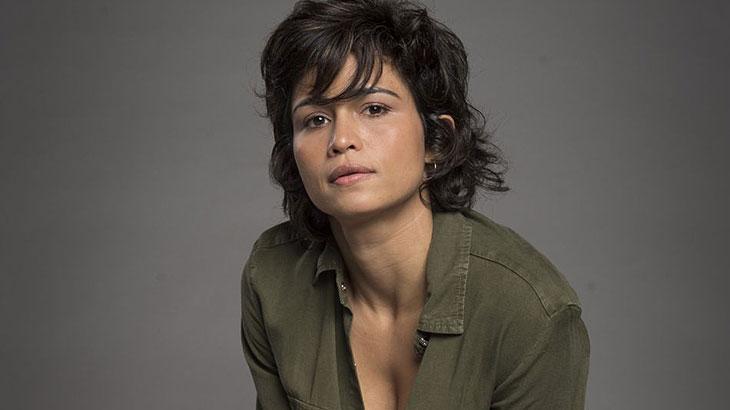 A atriz Nanda Costa