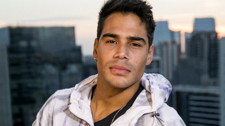Micael Borges posado para foto