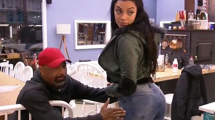 "\""A Fazenda\"": Dinei leva fora de Monique após chamá-la de gorda"