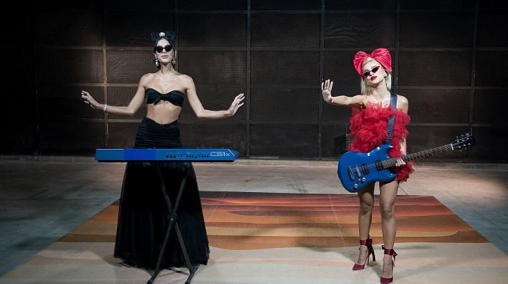 Bruna Marquezine e Manu Gavassi juntas no MTV