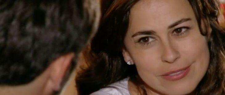"""Flor do Caribe: Natália detona sogra para Juliano: \""""Está querendo competir comigo\"""""""