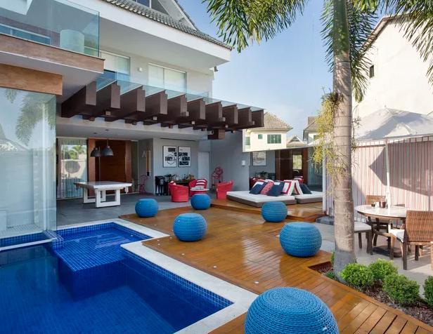 Conheça a luxuosa mansão de R$ 2 milhões de Nego do Borel