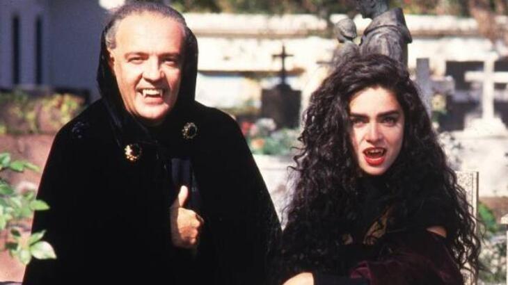 """30 anos depois, Ney Latorraca se surpreende com absurdos em Vamp: \""""Como eu tinha coragem?\"""""""