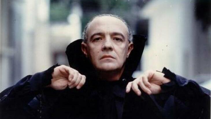Ney Latorraca em cena como Vlad em Vamp, novela entra em cartaz no Globoplay nesta segunda-feira (1º)