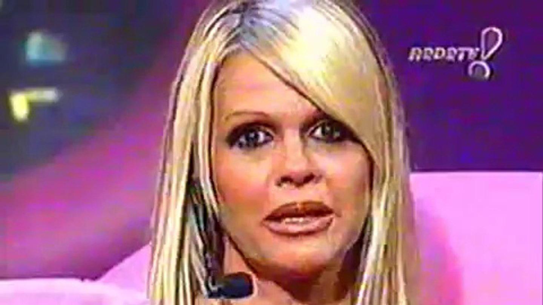 Há 20 anos, Monique Evans estreava o Noite Afora e assustava a Globo no Ibope