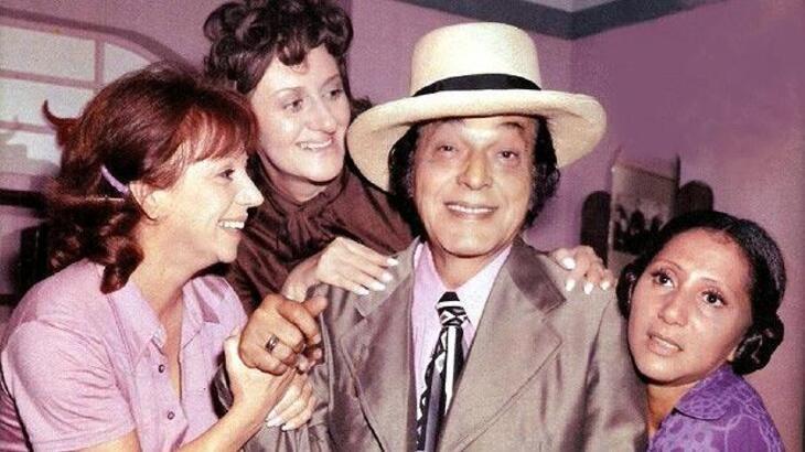 Paulo Gracindo ao lado de Dirce Migliaccio, Ida Gomes e Durinha Durval em cena da novela O Bem-Amado