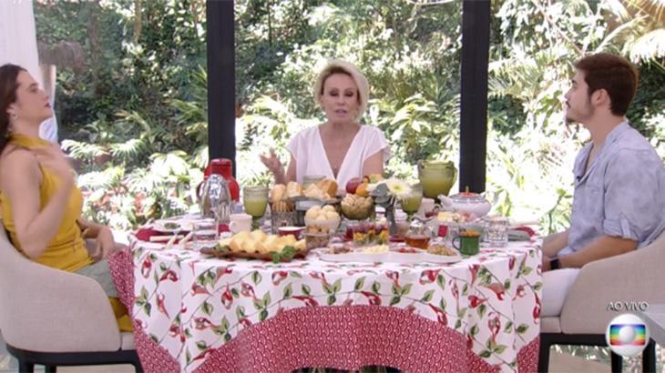 Juliana Paiva, Ana Maria Braga e Nicolas Prattes tomando café da manhã do Mais Você