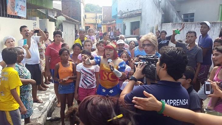 Afiliada do SBT em Recife bate Fátima Bernardes com Cinderela e jornalismo