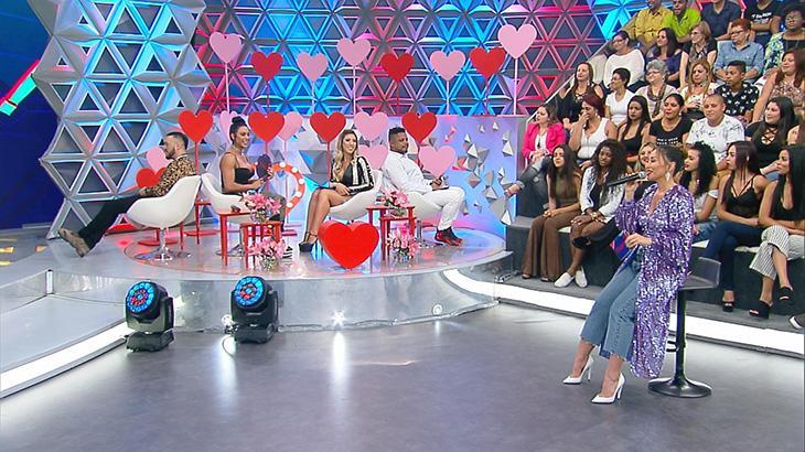 Sabrina promove duelo entre os casais Belo e Gracyanne e Tati Minerato e Marcelo