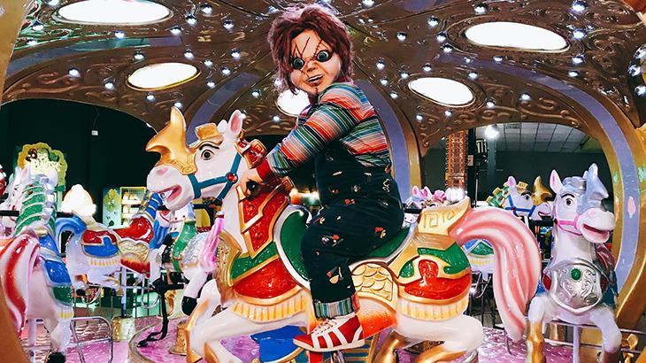 Silvio Santos recebe mais uma homenagem e exibe nova pegadinha do Chucky