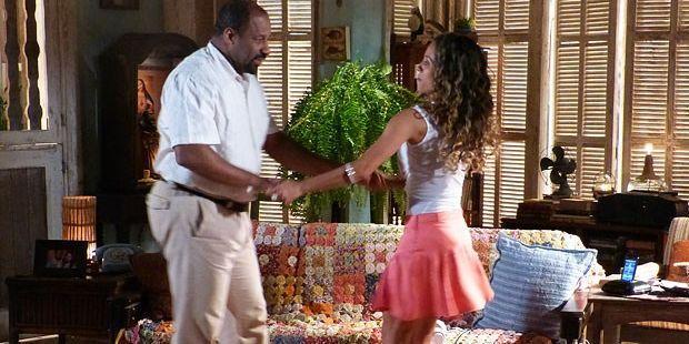 Flor do Caribe: Quirino encontra um novo amor