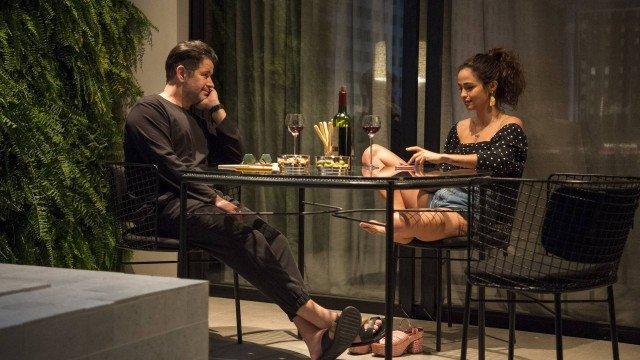 Raul e Érica conversando em amor de Mãe