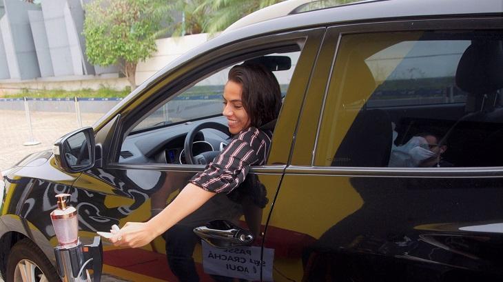RedeTV! cria Drive Thru da Páscoa para entregar ovos de chocolate durante quarentena