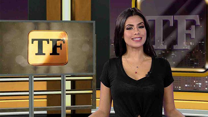 Flávia Noronha durante a apresentação do TV Fama na RedeTV!