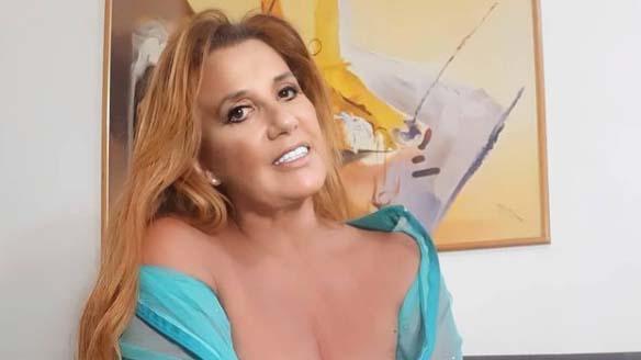 Rita Cadillac sorrindo